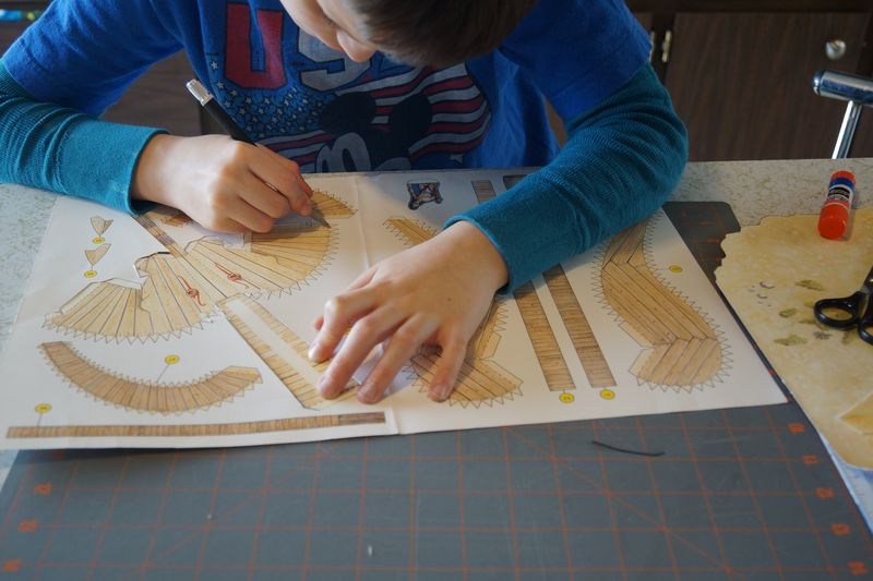 Crafting with Kids/Paper Modeling